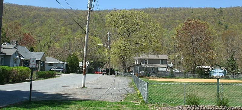 Walking to the Village Vista Trail