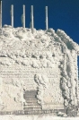 Building on Mount Washington covered with rime ice