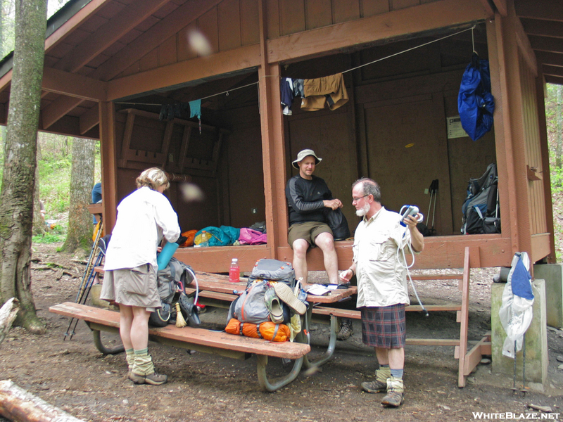 2009-0503d Slacka$$ & Kiwi Couple At Low Gap Shelter