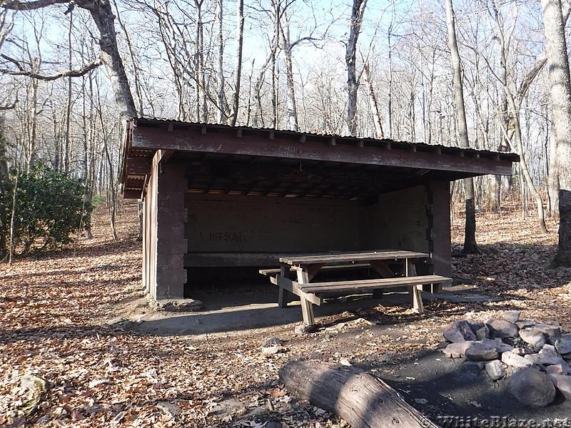 0742 2016.11.26 Iron Mountain Shelter