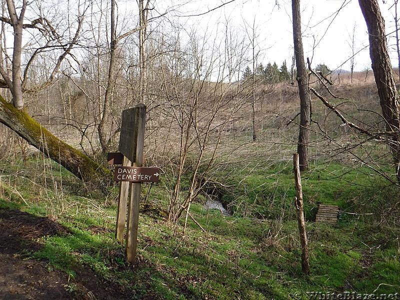 0836 2017.04.02 Davis Cemetery Sign