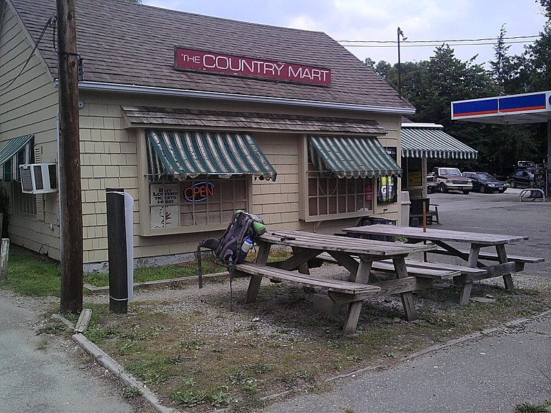 The Country Mart (CT)