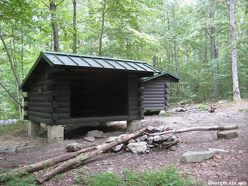 Appalachian trail deer lick cabin